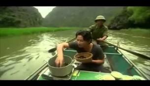 Giám khảo Master Chef luộc ốc trên thuyền tới Tam Cốc