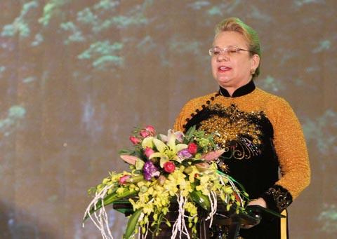 Bà Katherine Muller Marine - Trưởng Đại diện UNESCO tại Việt Nam phát biểu tại buổi lễ.