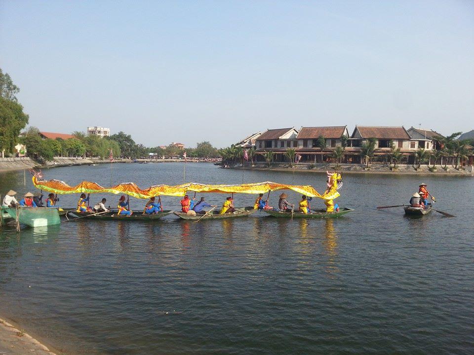 Múa Rồng Trên Dòng Sông Ngô Đồng